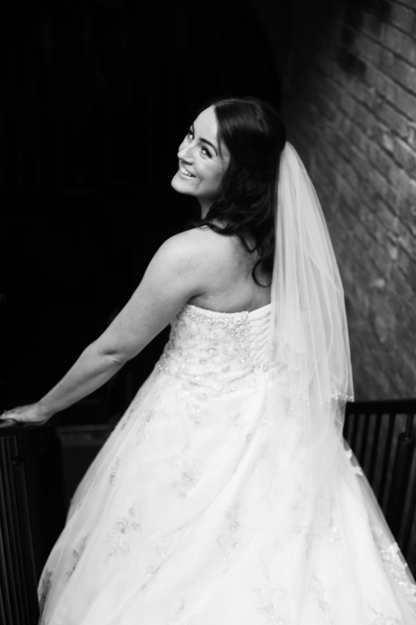 bride-on-wedding-day-photography-natural