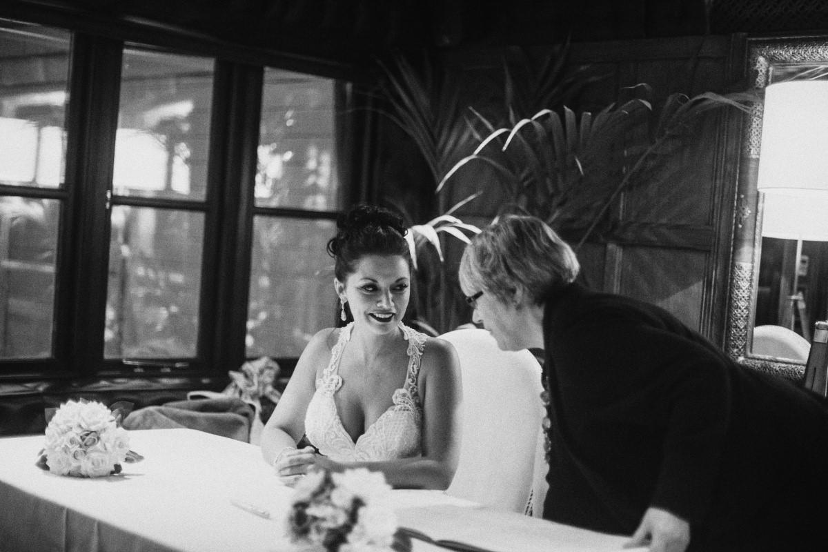 ceremony-b-w-wedding-photographer