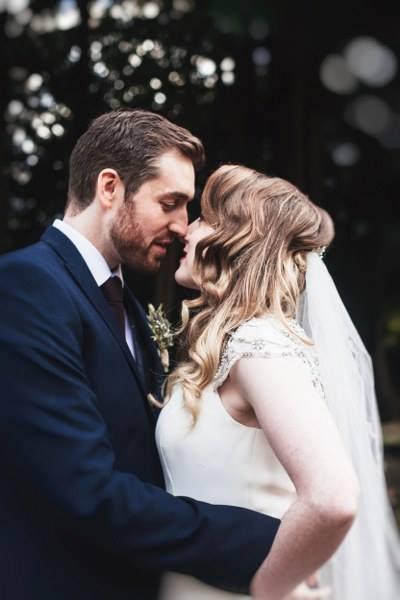 couple-shoot-natural-wedding-photographer