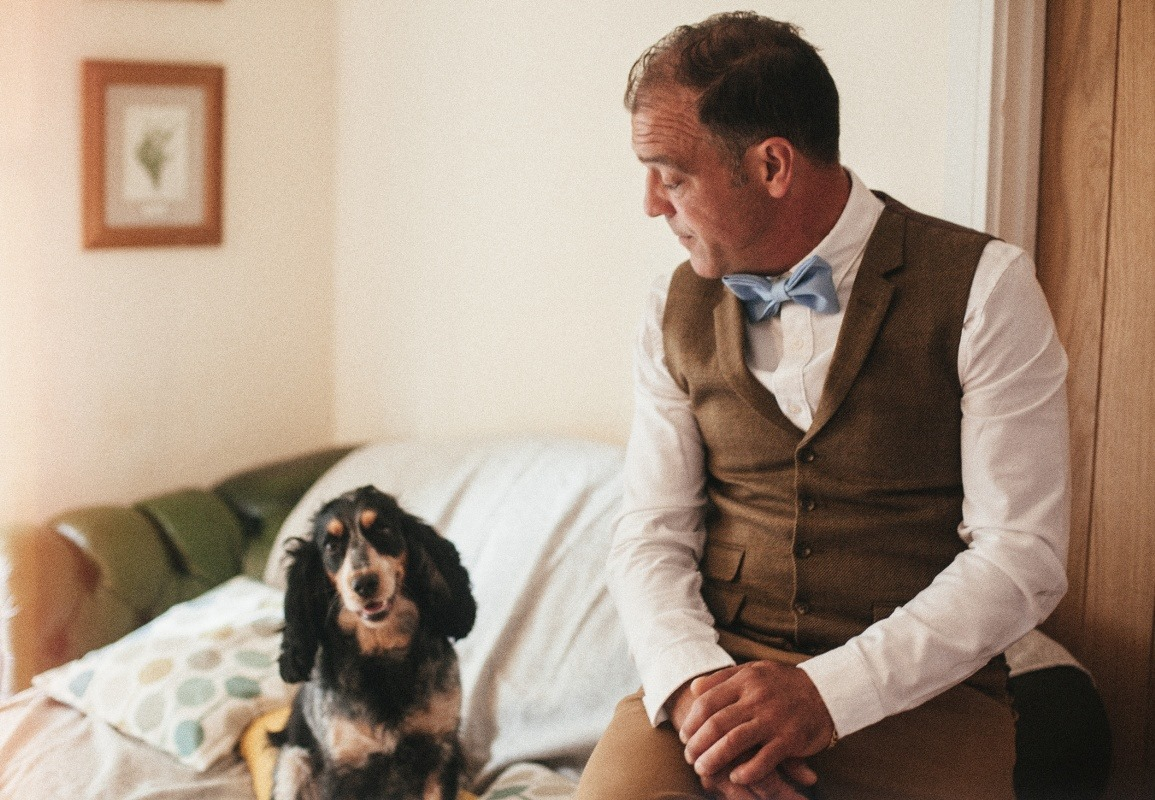 dog-and-dad-natural-wedding-photography