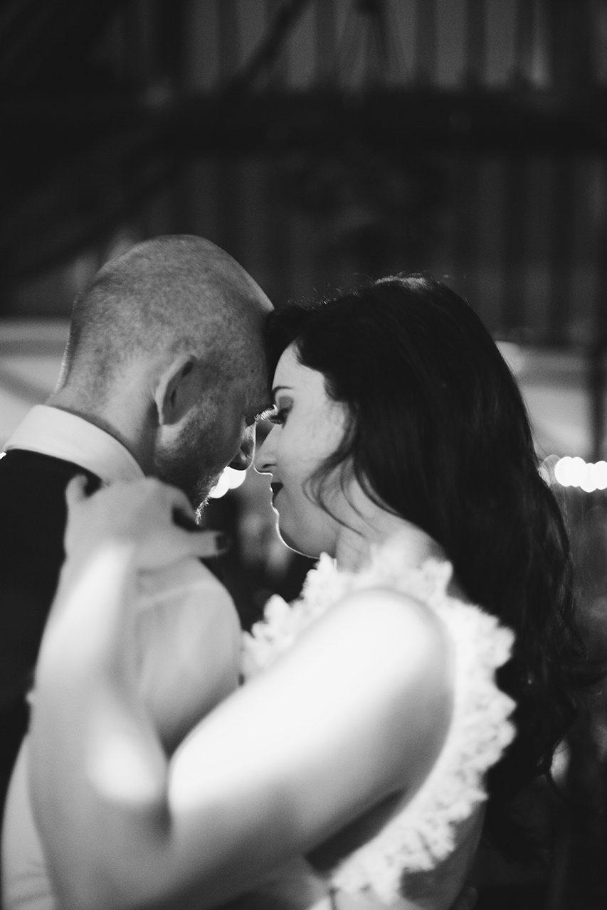 first-dance-natural-wedding-photographer